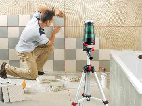 Керамическая плитка в шахматном порядке в ванной