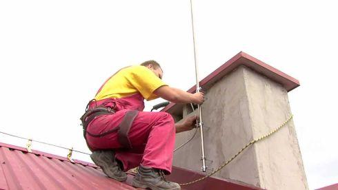 Монтаж молниезащиты на крыше